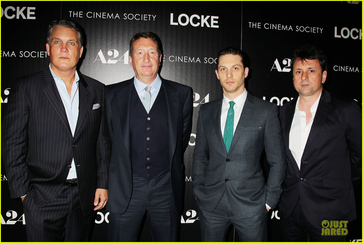 tom hardy sports green tie at locke premiere 033097091