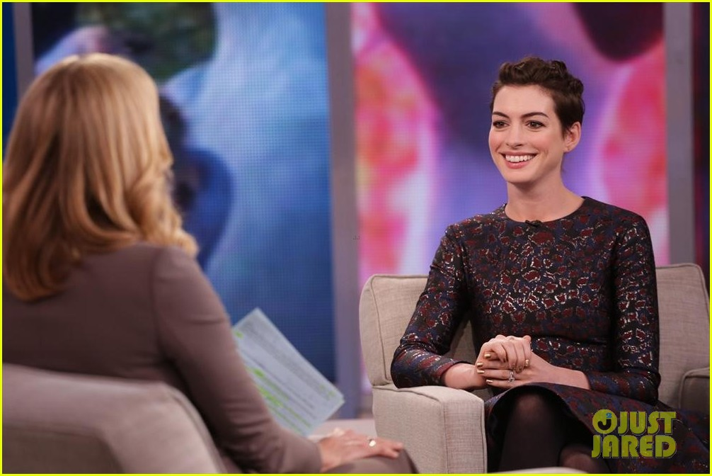 anne hathaway envies kate middleton 073086850