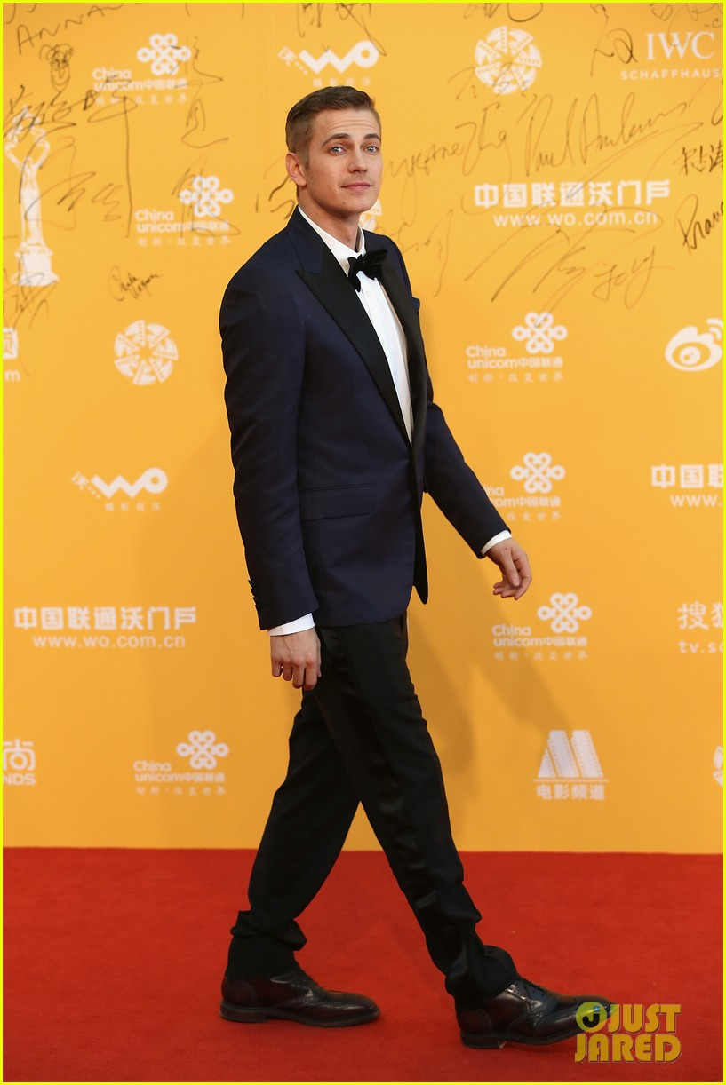 hayden christensen looks so handsome in tuxedo beijing film festival 09