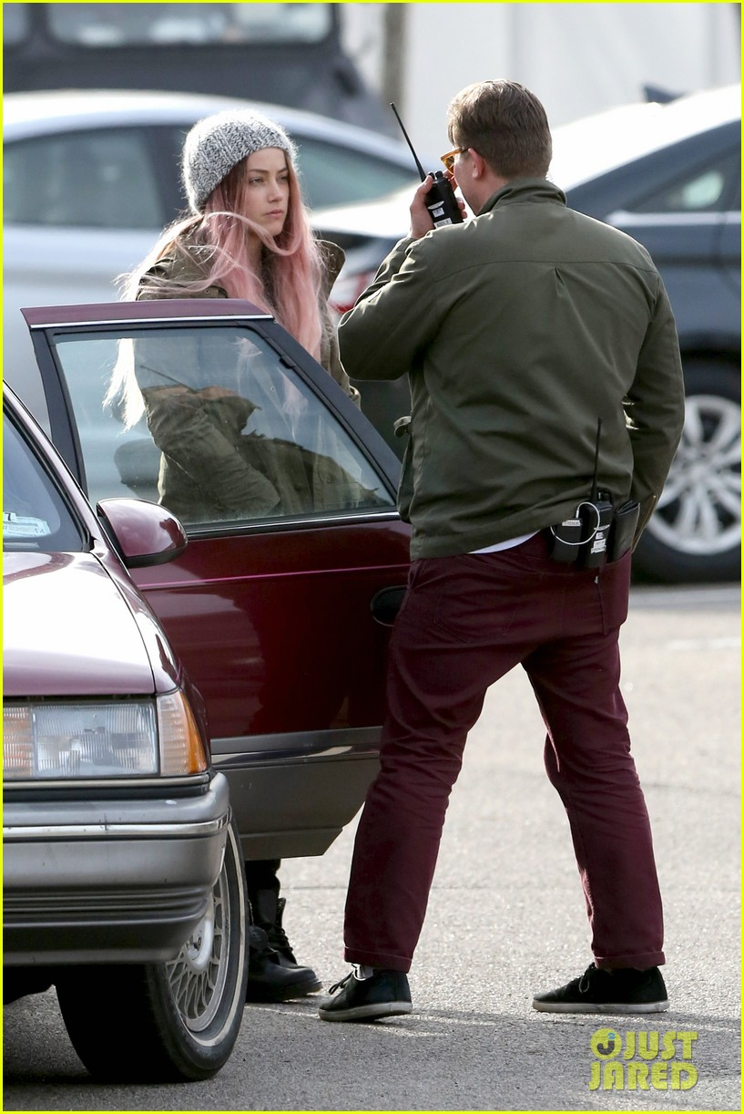 amber heard back to work after partying with gal pals 08