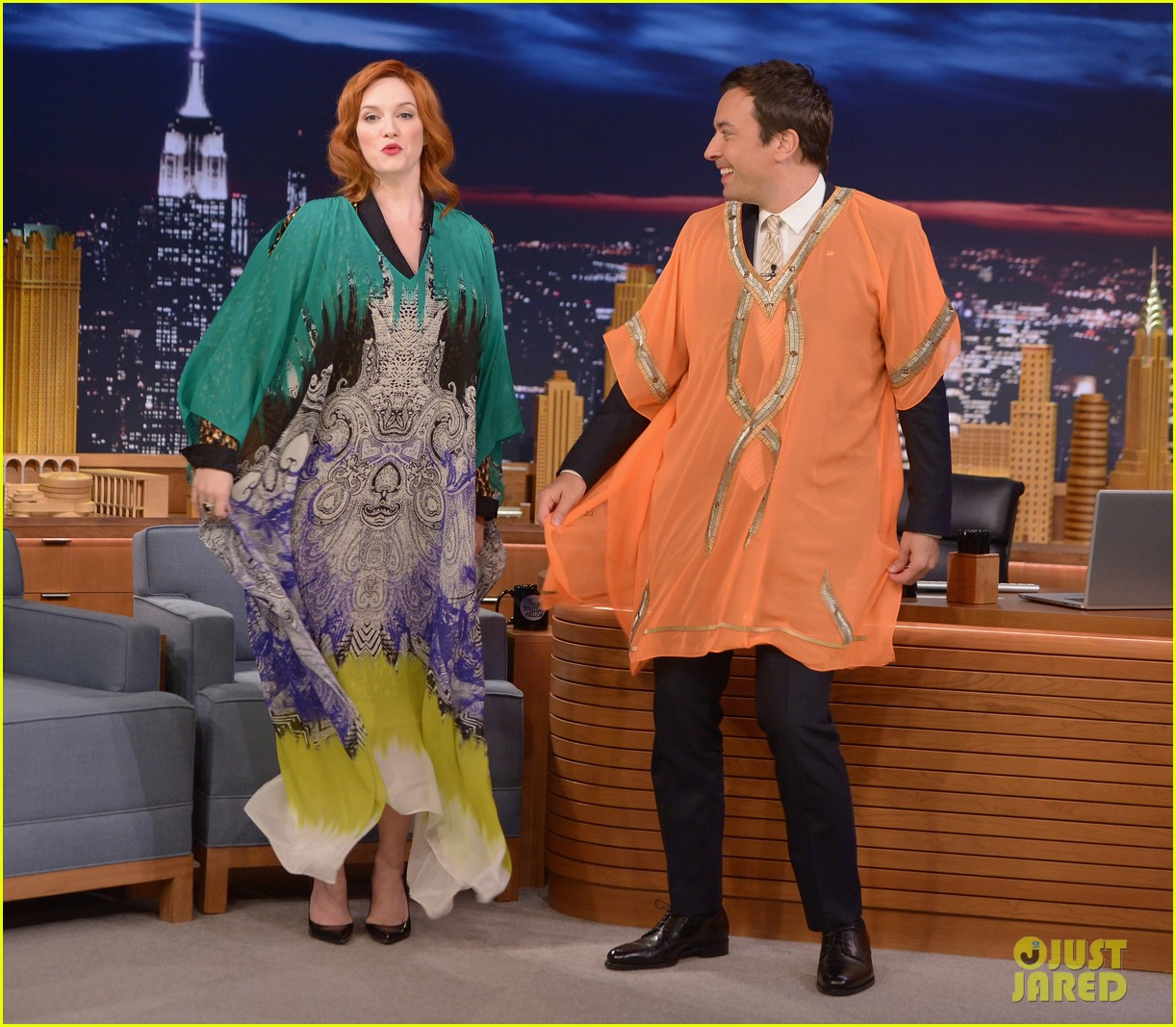 christina hendricks expresses her love for kaftan dresses on tonight show 05