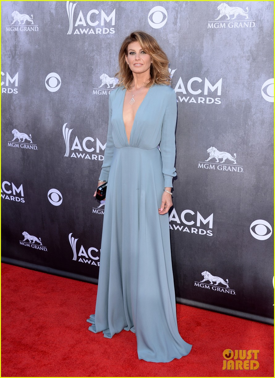 faith hill tim mcgraw picture perfect couple at acm awards 2014 033085835