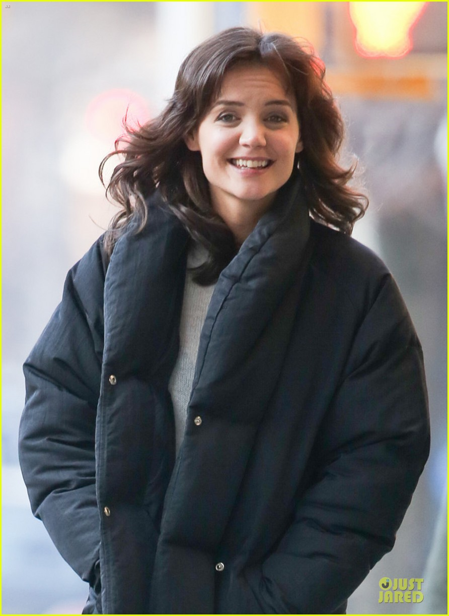 katie holmes cant camouflage on dangerous liaisons 02