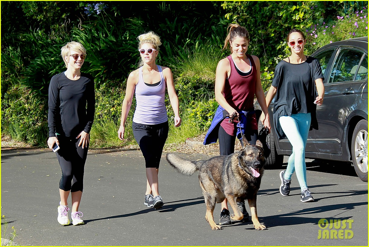 julianne hough nikki reed hiking with cara santana 063088168