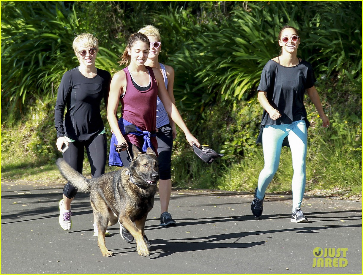 julianne hough nikki reed hiking with cara santana 203088182