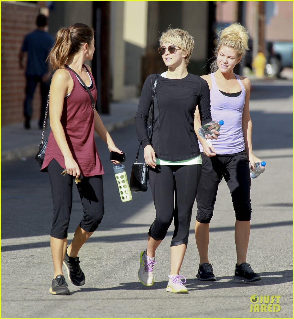 julianne hough nikki reed hiking with cara santana 26
