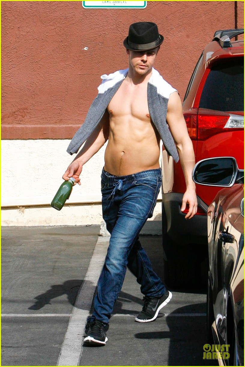 derek hough shirtless body reason why you should dance 06