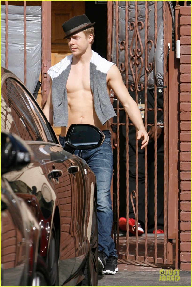 derek hough shirtless body reason why you should dance 14