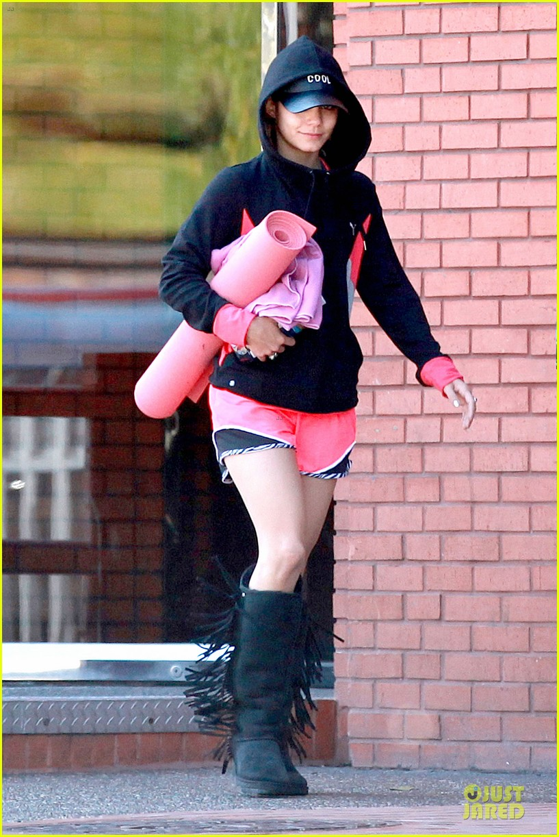 vanessa hudgens fringe statement at the gym 063085118