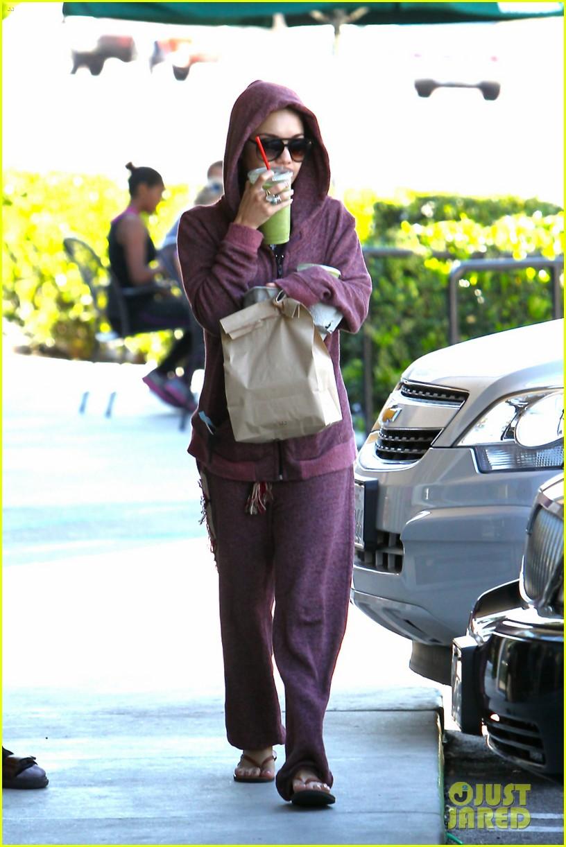vanessa hudgens head to to purple at gym 15