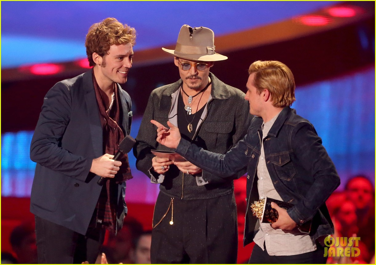 josh hutcherson pays tribute to philip seymour hoffman at mtv movie awards 2014 063091407