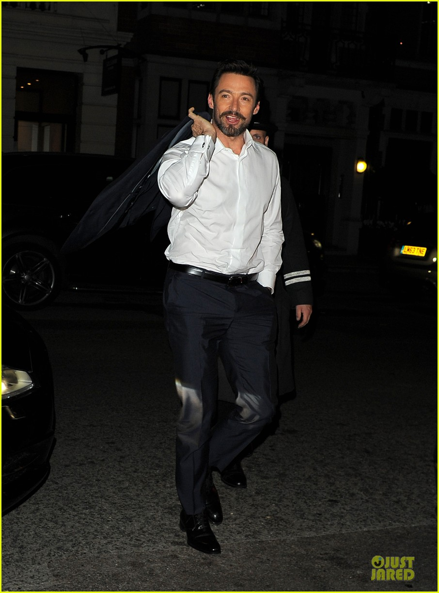 hugh jackman enjoys the ride of promoting xmen 013083543