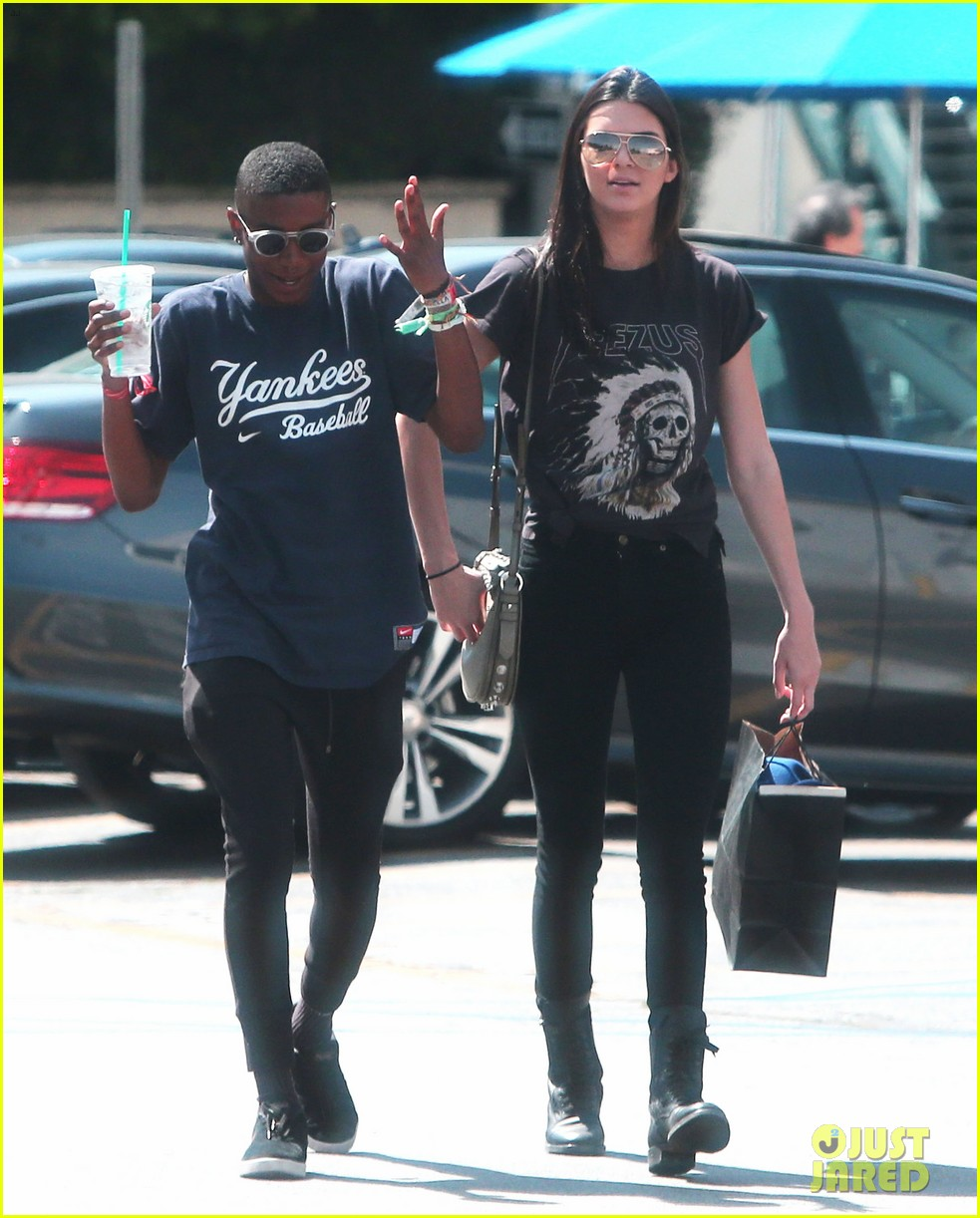 kendall jenner loves her fans so much it makes her sick 063098017