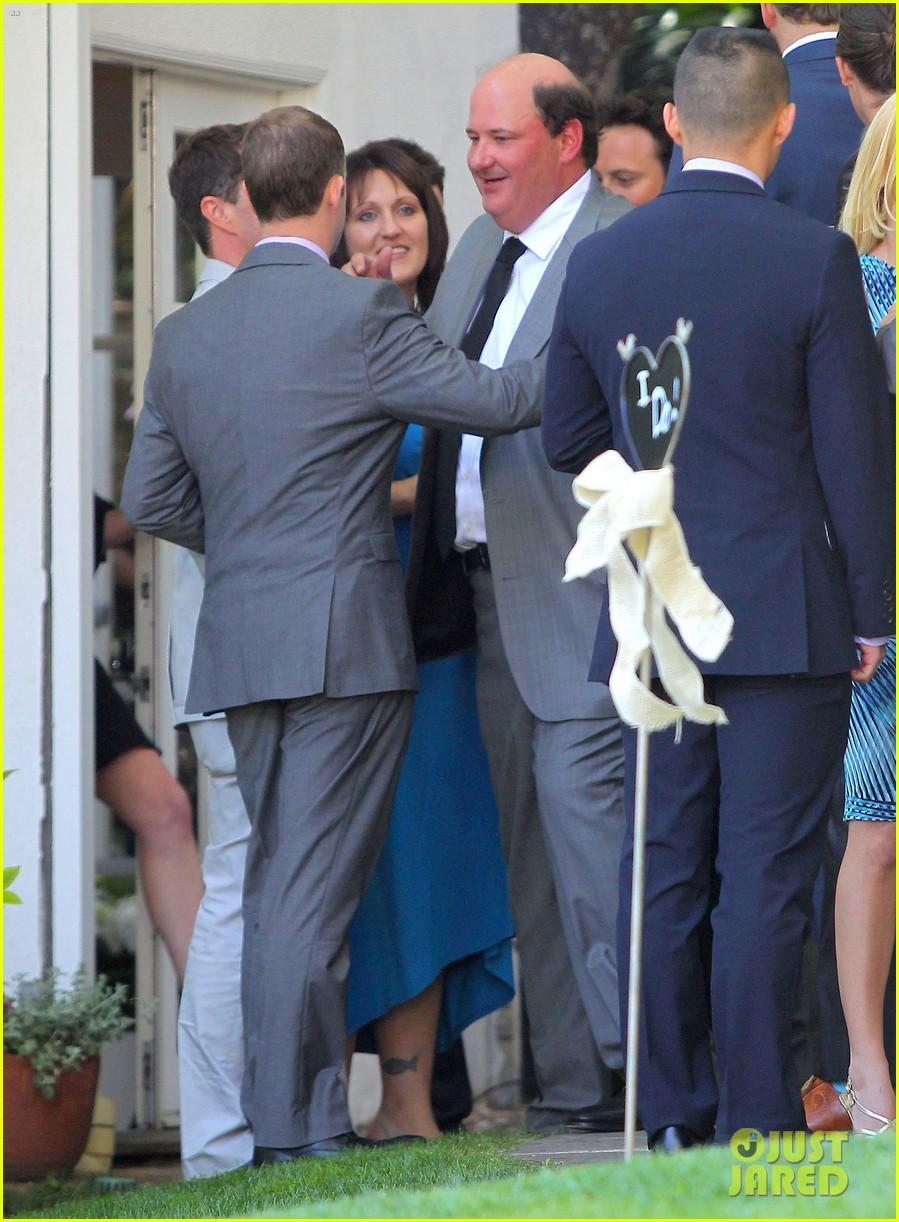 john krasinski emily blunt the office brian baumgartner wedding 063100234