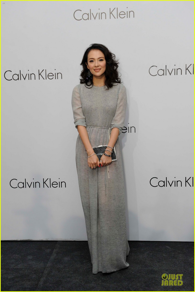 dakota johnson ziyi zhang celebrate calvin klein 01