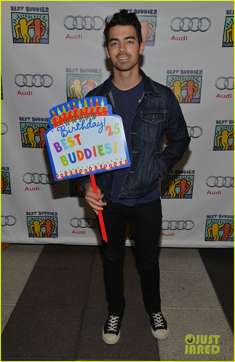 nick jonas girlfriend olivia culpo make one cute couple at best buddies bowling 02