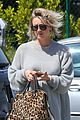 kaley cuoco chops hair even shorter debuts bob hairdo 13