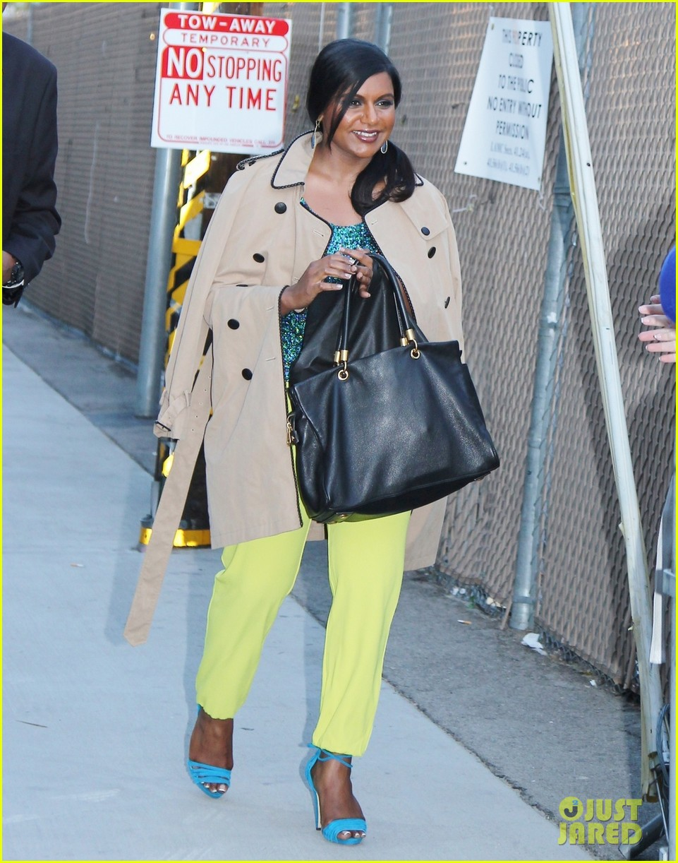 mindy kaling takes lots of effort to look like a normal person 043082818