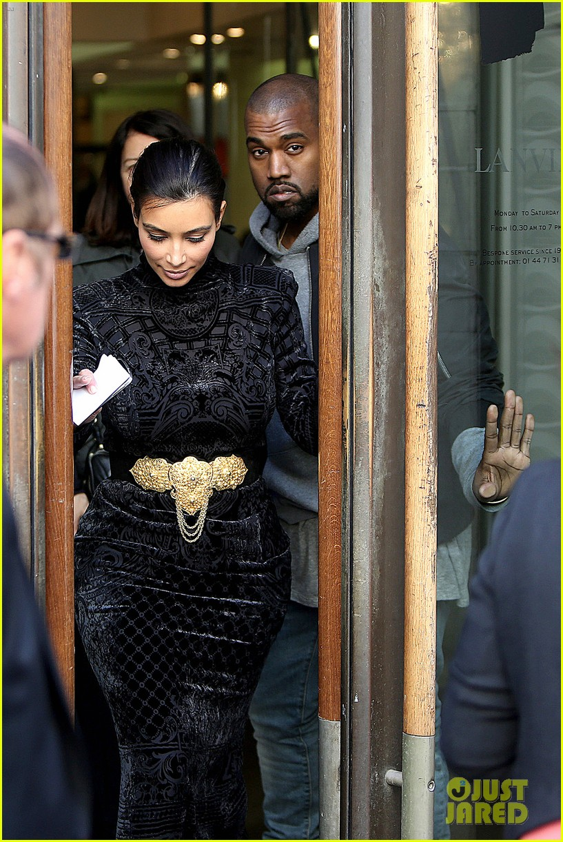 kim kardashian changes into two different dresses 09