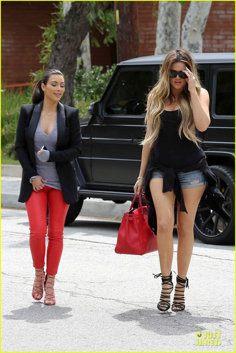 kim kardashian likes to tell sis khloe to drink it up 10
