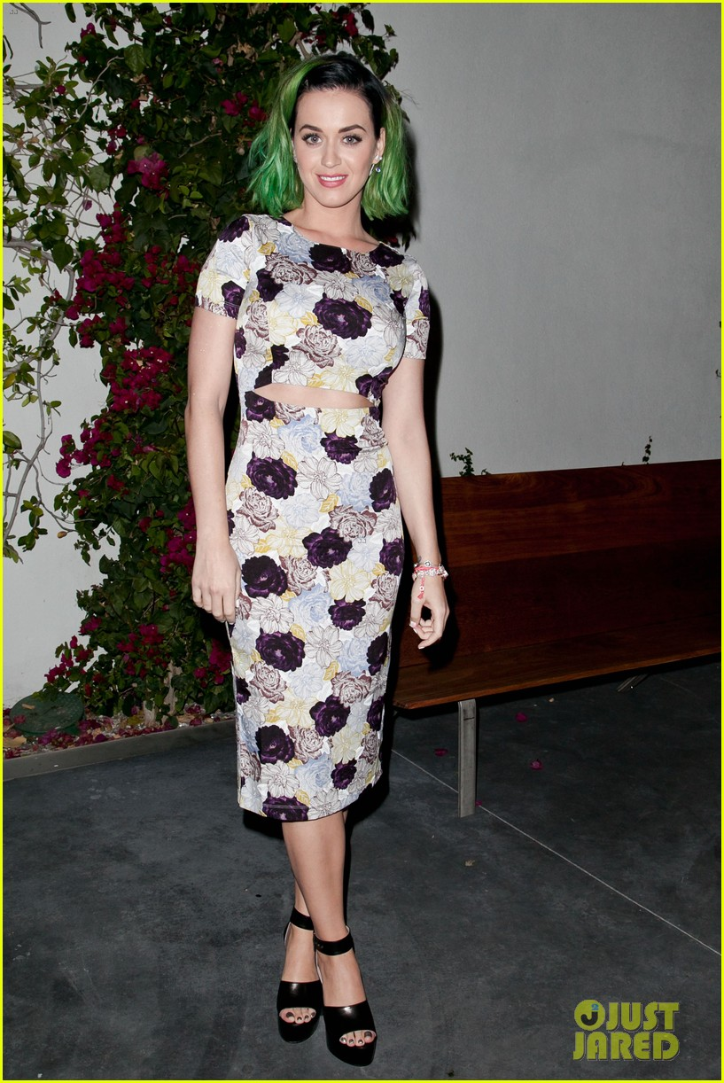 kim kardashian katy perry step out to support marianne williamson 02