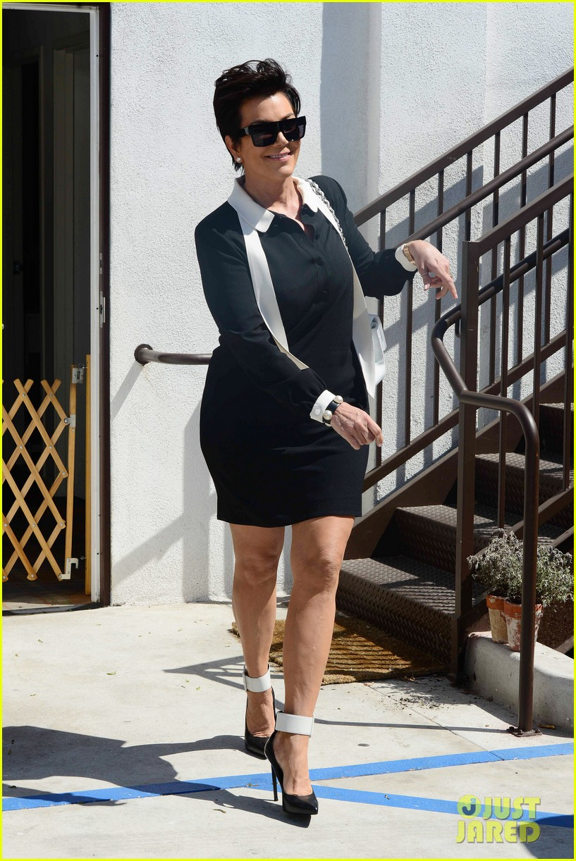 khloe kardashian endorses the messy bun hairstyle 063098707