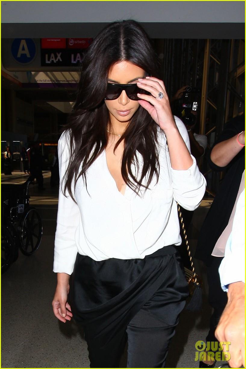 kim kardashian flies out of town amid new wedding rumors 053101774