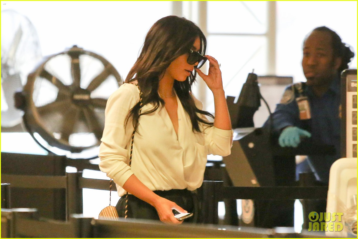 kim kardashian flies out of town amid new wedding rumors 14