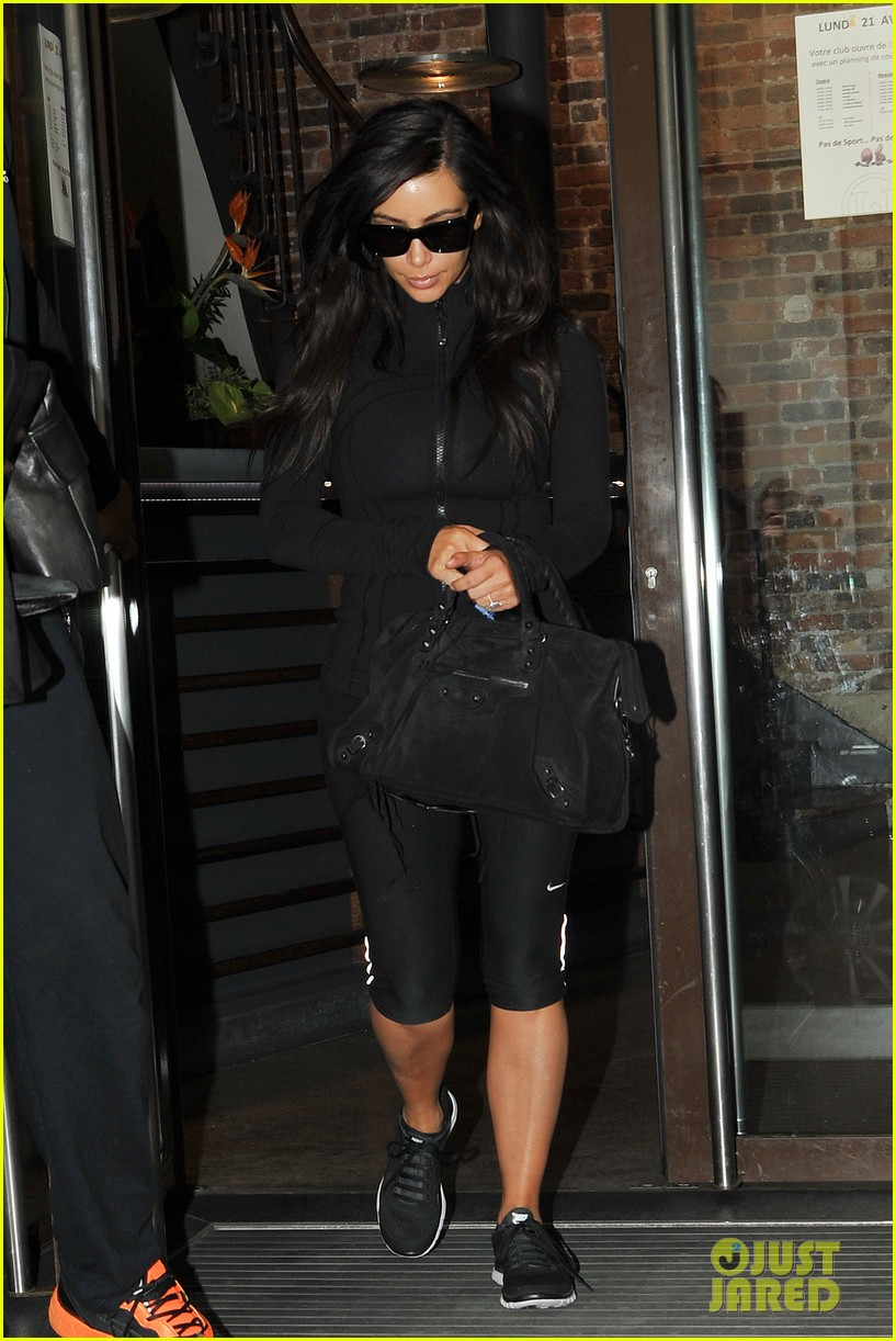 kim kardashian kanye west work out have lunch in paris 07