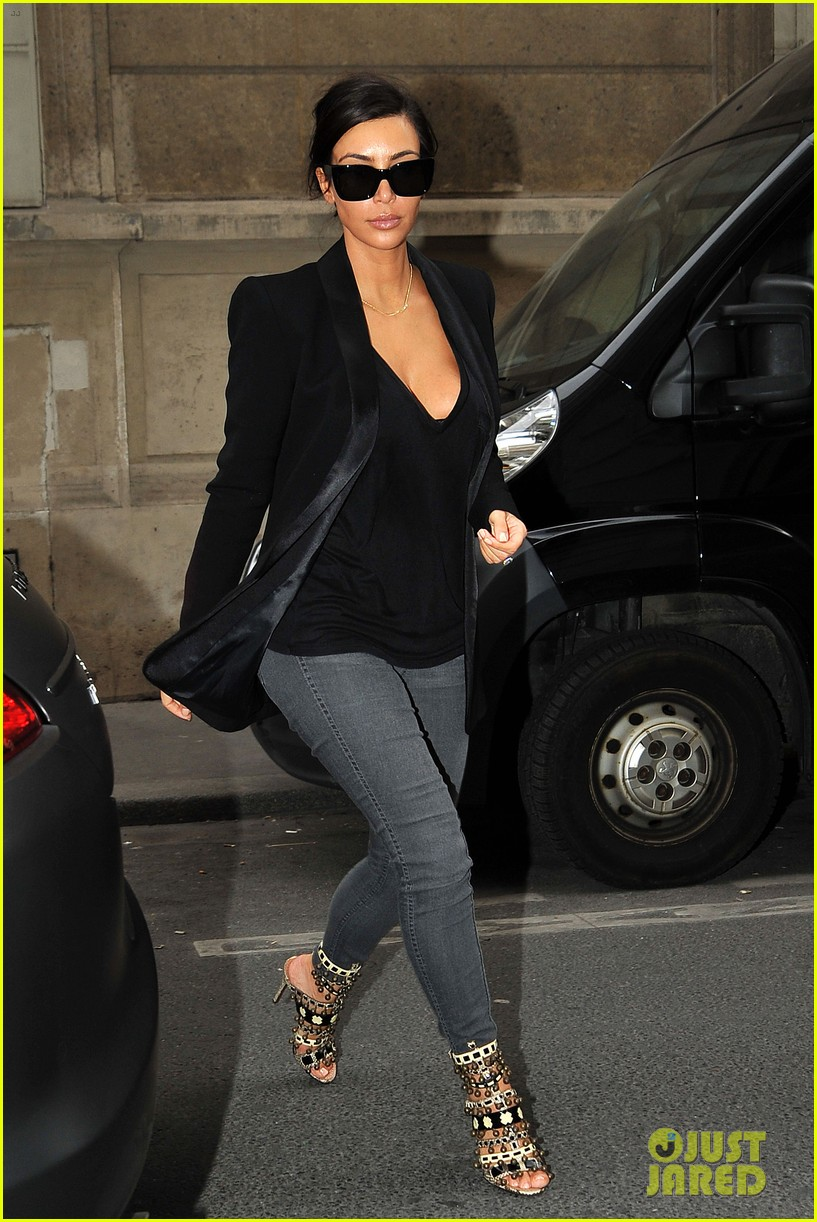 kim kardashian kanye west work out have lunch in paris 11