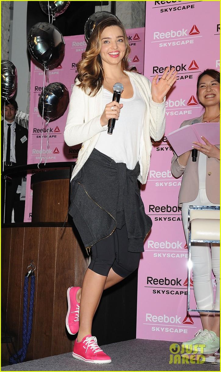 miranda kerr takes her reebok skyscape sneakers to tokyo 03