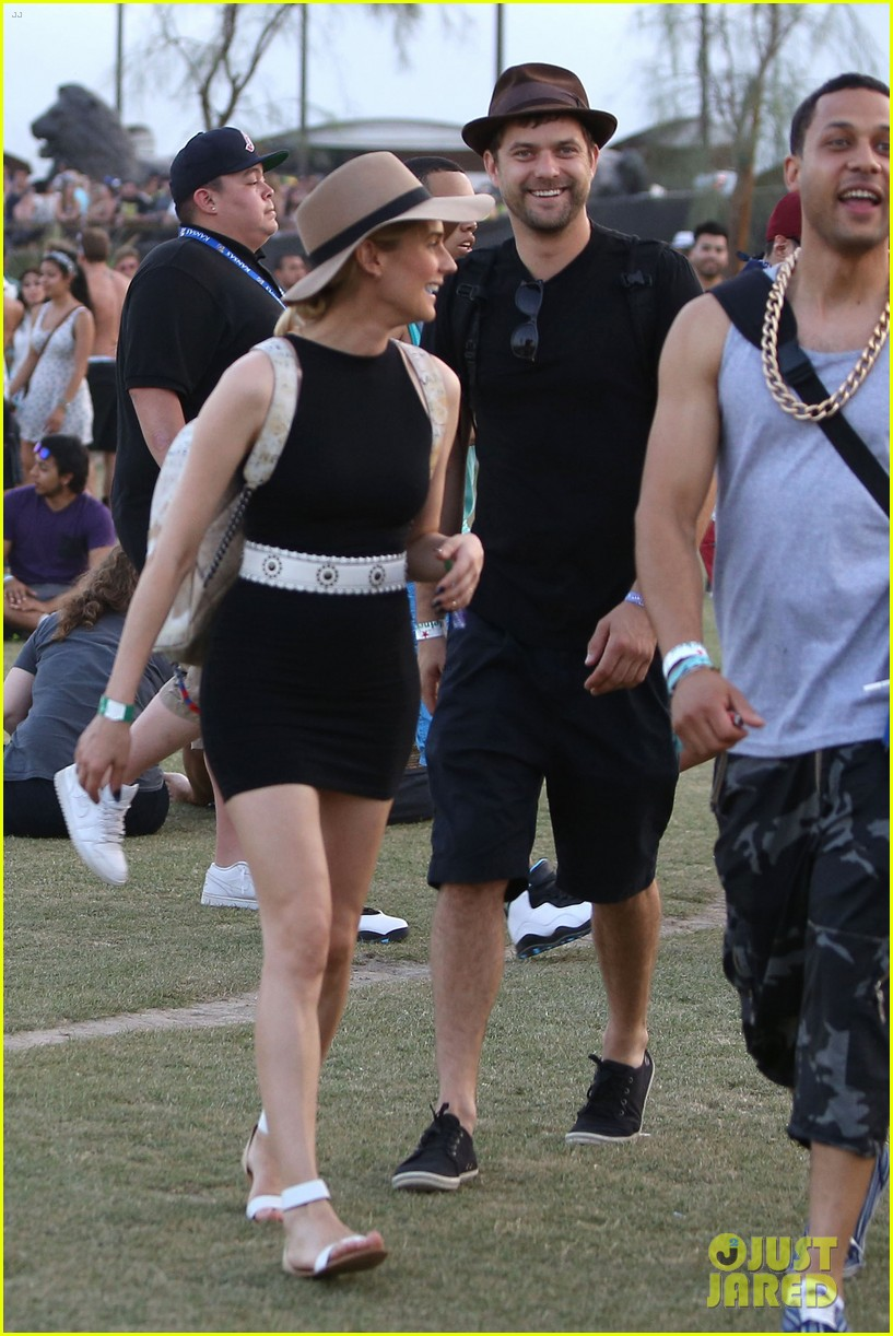 joshua jackson diane kruger happily wrap up their weekend at coachella 103096036