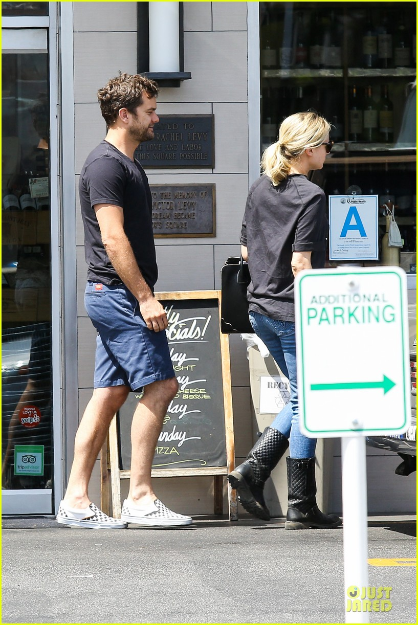 diane kruger wears loose t shirt with joshua jackson 153087135