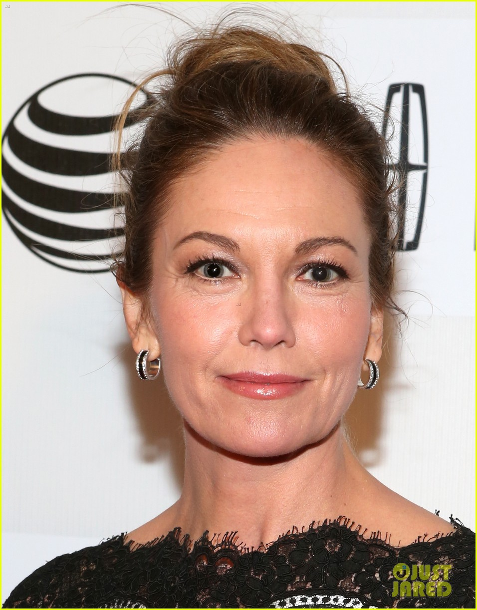 diane lane hasnt had a chance to feel batman costume yet 10