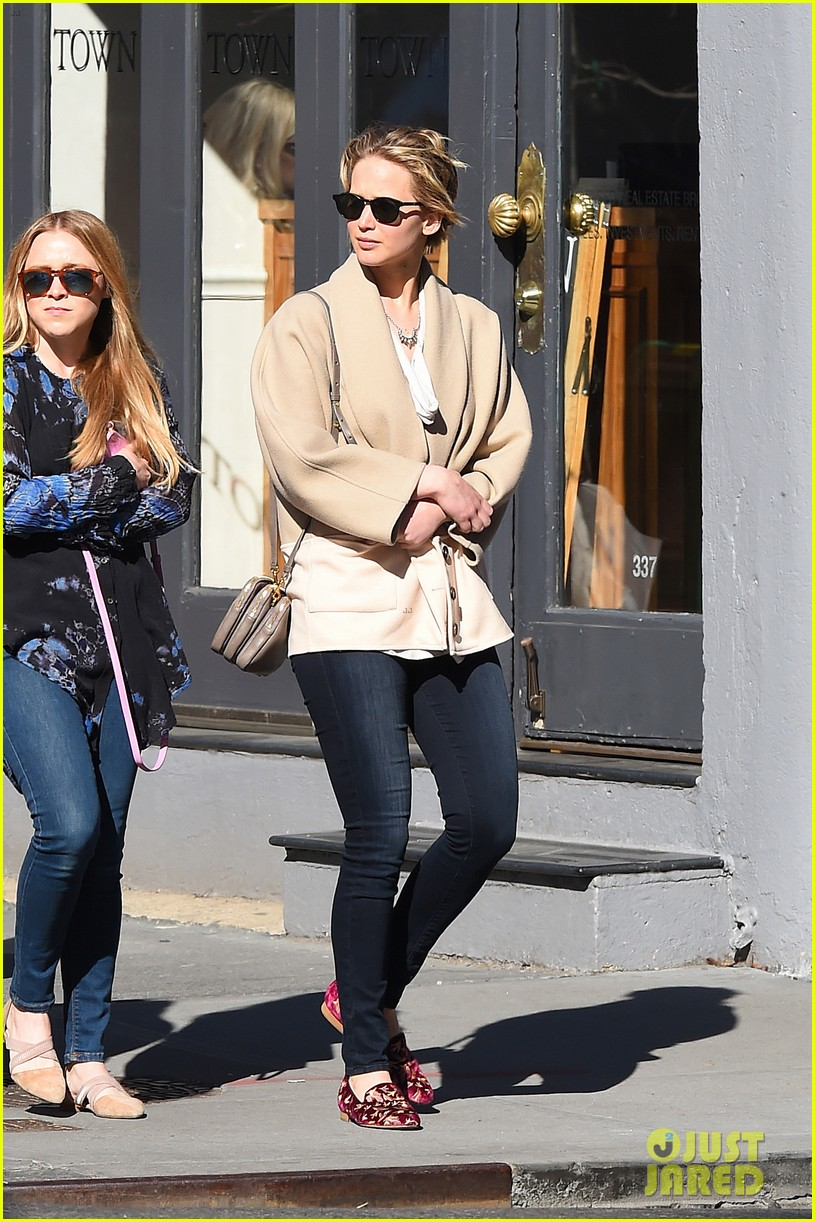 jennifer lawrence goes glam for gma spends easter in nyc 05