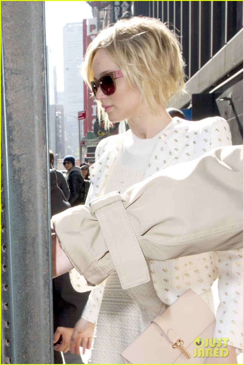 jennifer lawrence goes glam for gma spends easter in nyc 07