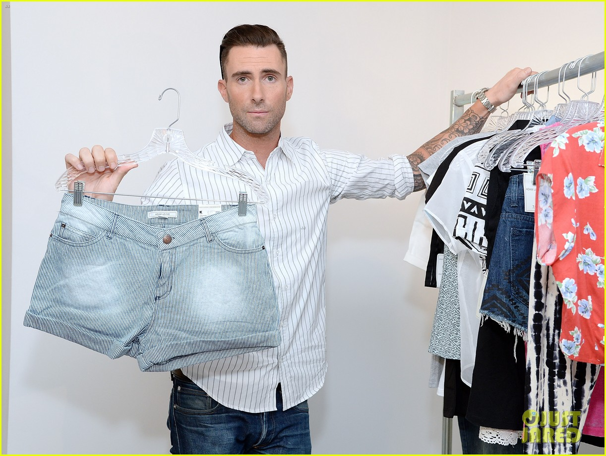 adam levine celebrates launch of new womens summer collection 05