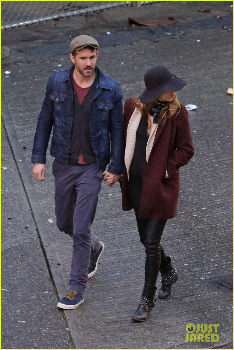 blake lively ryan reynolds hold hands most adorable couple 143086054