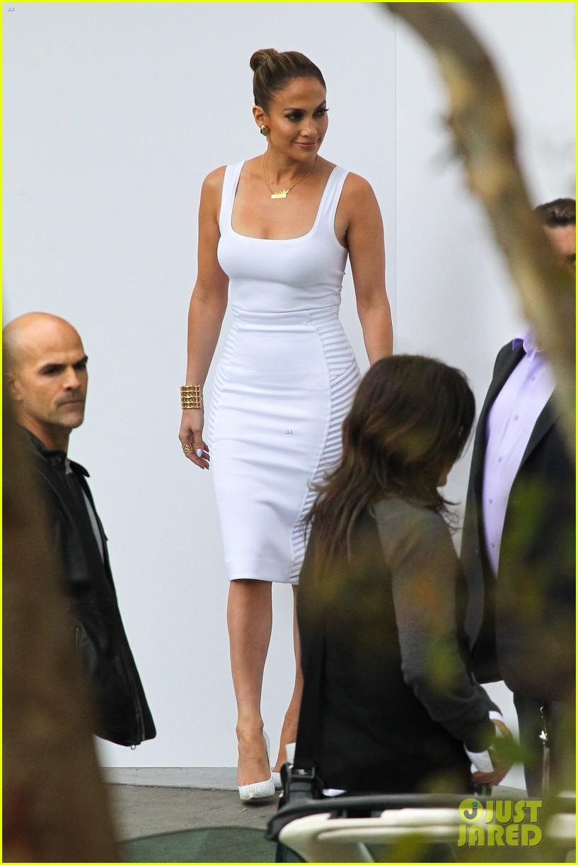 ed4d5ee2990 Full Sized Photo of jennifer lopez white hot form fitting dress idol ...