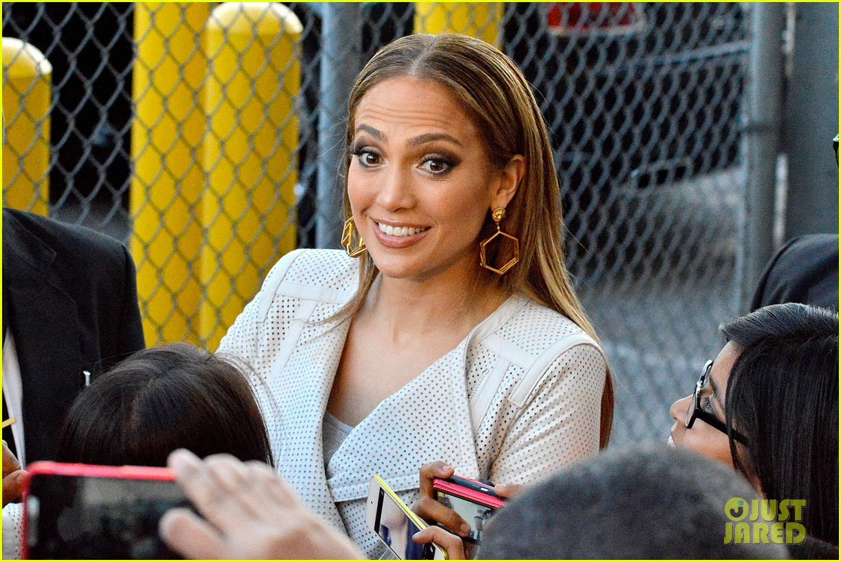 jennifer lopez teaches jimmy kimmel the words to i luh ya papi 073101260