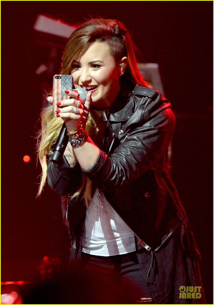 demi lovato cover ed sheeran give me love 023092553