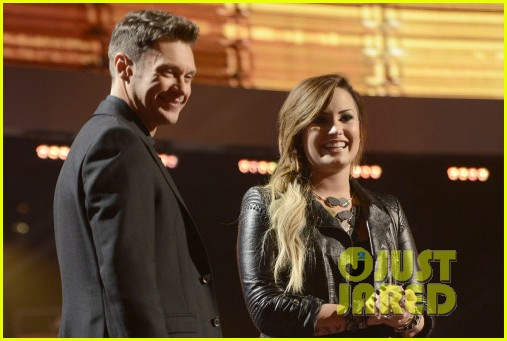 demi lovato surprises american idol audience teases more us tour dates 01