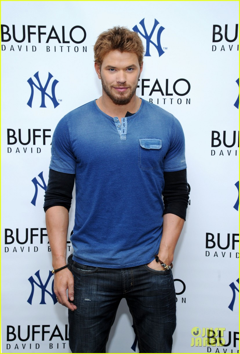 kellan lutz crosses an item off his bucket list all while doing good work 02