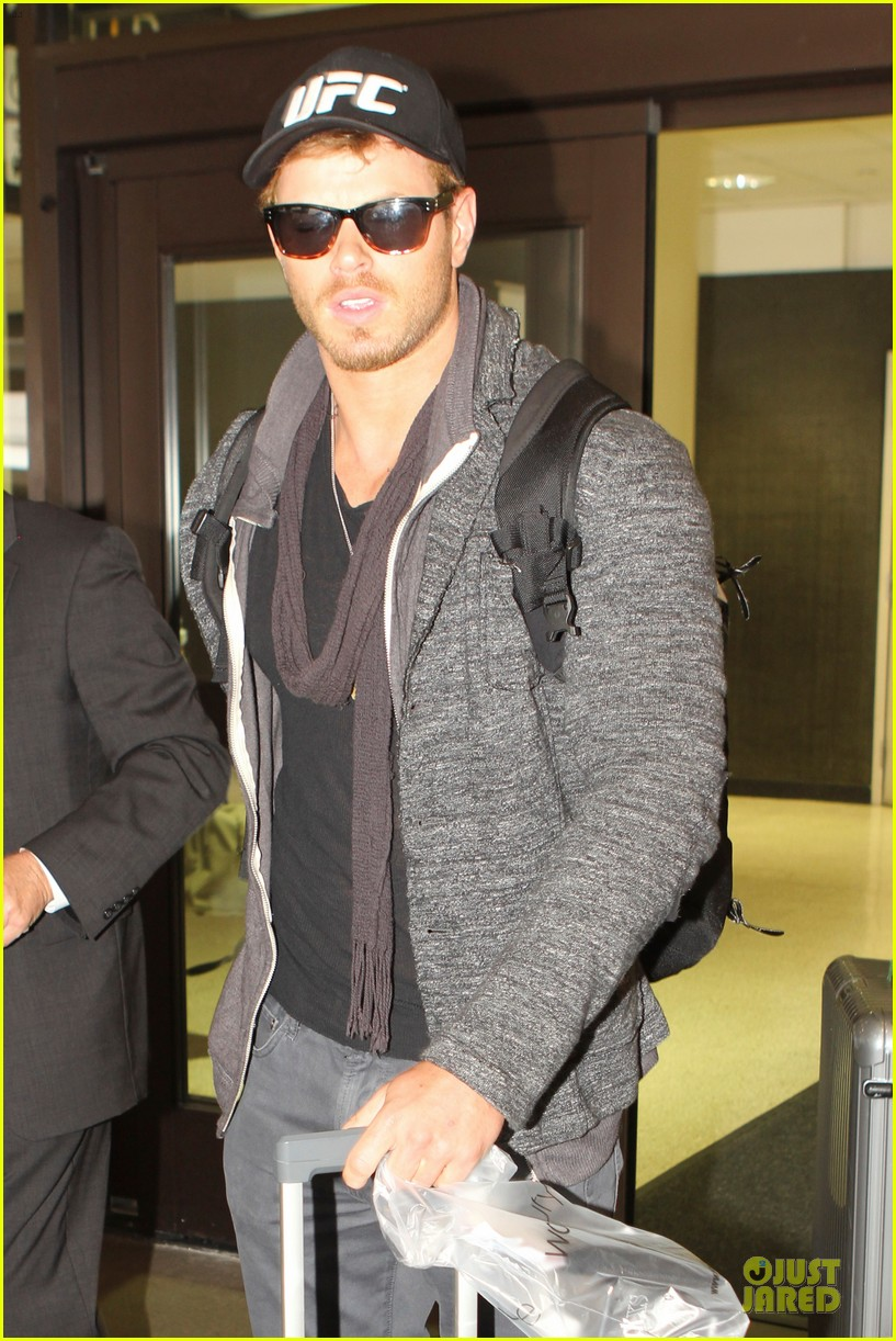 kellan lutz body to be ufc fighter 08