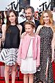 leslie mann brings the whole family to the mtv movie awards 2014 02