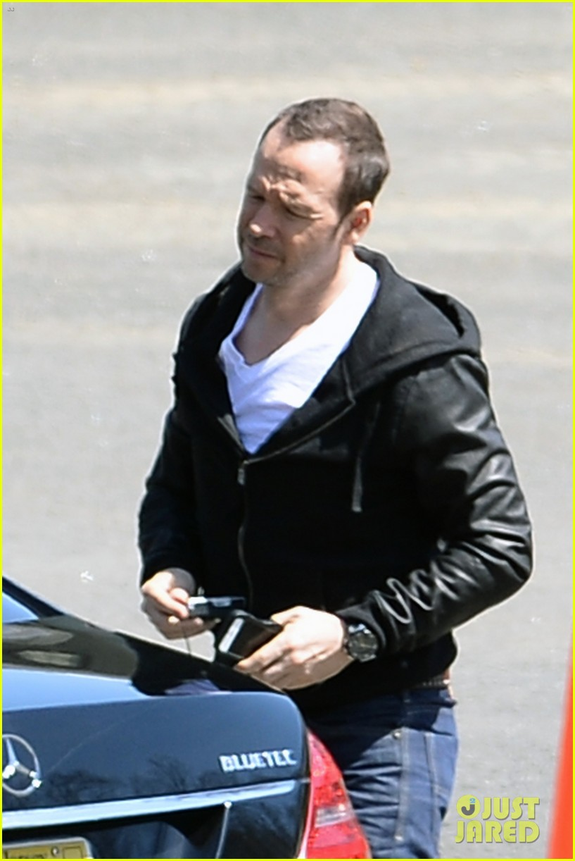 jenny mccarthy donnie wahlberg spotted upstate new york 023094118