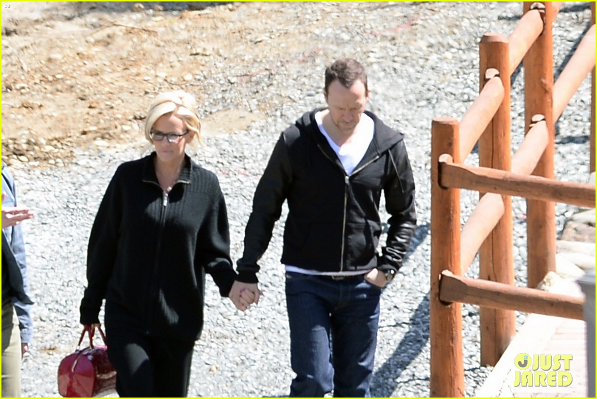 jenny mccarthy donnie wahlberg spotted upstate new york 183094134