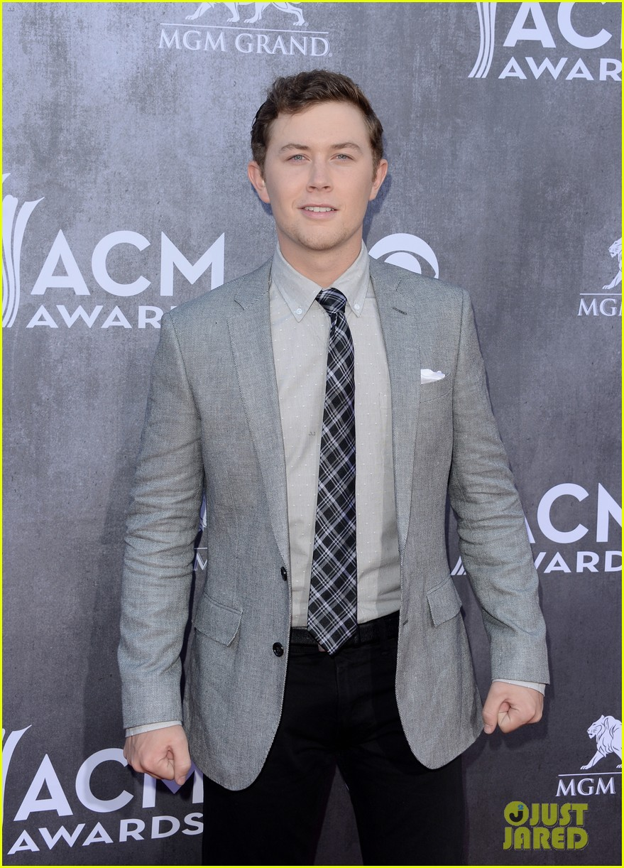 scotty mccreery acm awards 2014 red carpet 05