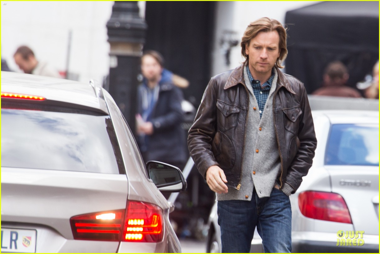 ewan mcgregor looks serious as kind of traitor 023094848