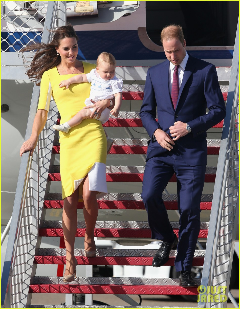 kate middleton changes into yellow dress to arrive in australia 133093096